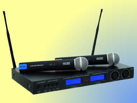 Professional wireless microphone set